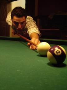 949763_miguel_playing_snooker_1-2